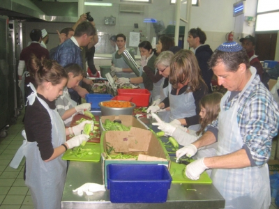 Volunteering at Hazon Yeshayah soup kitchen